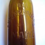 Brauerei zum schwarzen Bären Motiv Schriftflasche