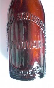 Rückseite Bierflasche Knizeci Schwarzenberg Pivovar Winterberg Vimperk